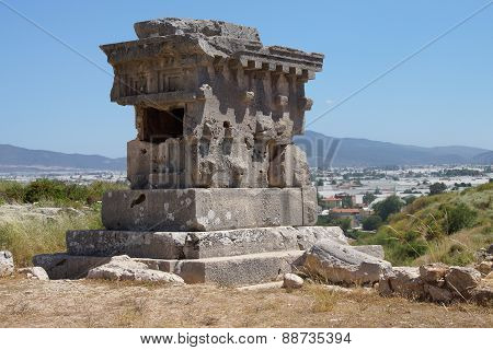 Pillar Tomb Of The Ancient City