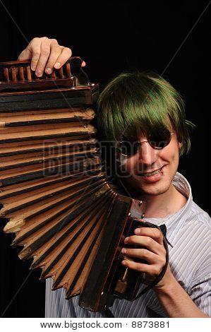 Crazy Harmonist