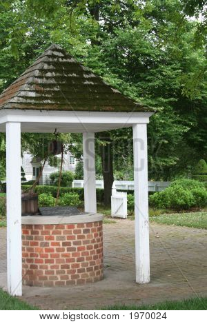 Colonial Wishing Well