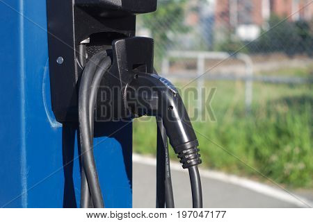 electricity recharge for electric car vehicle battery charger technology