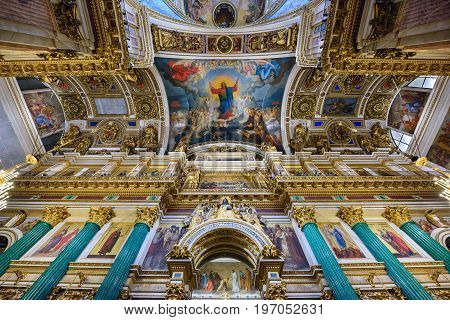 SAINT PETERSBURG, RUSSIA - JUNY 30, 2017. Interior of the Saint Isaac Cathedral (Isaakievskiy Sobor) - the largest Russian Orthodox cathedral in the city Saint Petersburg, Russia