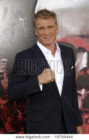 """LOS ANGELES - AUGUST 3:  Dolph Lundgren arrives at """"The Expendables"""" LA Premiere at Grauman's Chinese Theater on August 3, 2010 in Los Angeles, CA"""