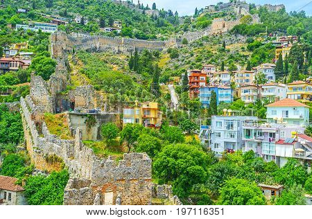 The Neigborhood On The Castle Hill Of Alanya