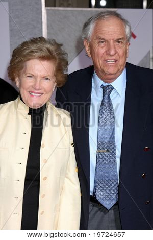 LOS ANGELES - SEP 22:  Garry Marshall & Wife arrives at the