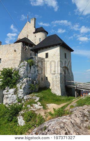 Gate to stone fortress Bobolice in Poland