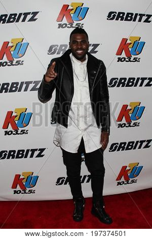 WANTAGH, NY-MAY 31: Singer Jason DeRulo performs onstage at 103.5 KTU's KTUphoria 2015 at Nikon at Jones Beach Theater on May 31, 2015 in Wantagh, NY.