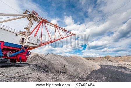 dragline at an open pit, coal mining