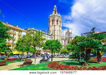 Micalet tower, Miguelete tower in Plaza de la Reina, Valencia, Spain, Europe