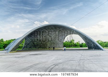 Amazing Modern Pergola-like Structure At Gardens By The Bay