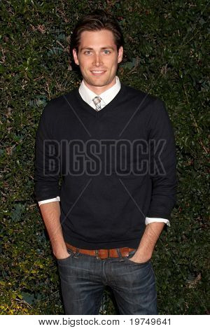 LOS ANGELES - NOV 18:  Adam Gregory arrives at the