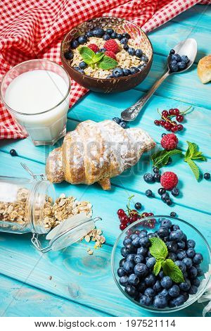 Multigrain wholewheat healthy cereals with fresh berry for breakfast.