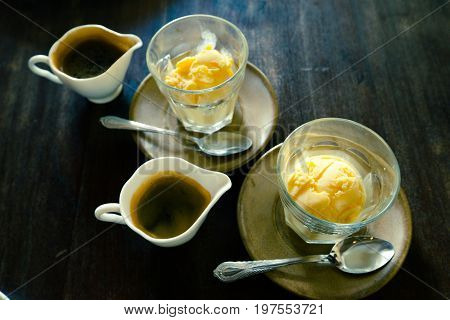 Affogato Vanilla ice cream with hot coffee Italian gelato ice cream comes with hot espresso happy time