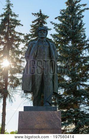 A monument to Vladimir Ilyich Lenin in full growth