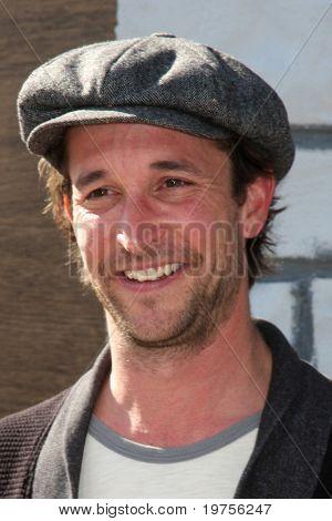 LOS ANGELES - DEC 11:  Noah Wyle arrives at the