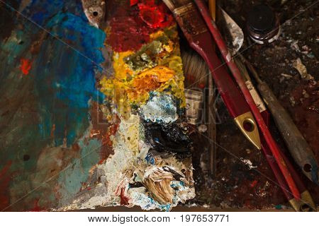 art paints palette brushes pencil Horizontal image