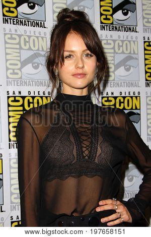 SAN DIEGO - July 21:  Isabelle Cornish at Comic-Con Friday 2017 at the Comic-Con International Convention on July 21, 2017 in San Diego, CA