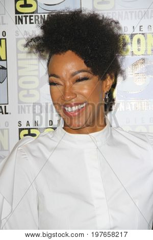 SAN DIEGO - July 22:  Sonequa Martin-Green at Comic-Con Saturday 2017 at the Comic-Con International Convention on July 22, 2017 in San Diego, CA