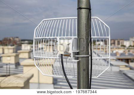 Parabolic Grid Antenna 3