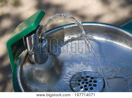 public spring water dispenser fountain water-shoot fount