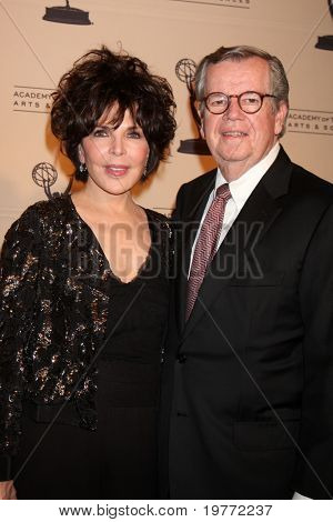LOS ANGELES - JAN 20:  Carol Bayer Sager, Bob Daly arrives at the ATASHall of Fame Committe's 20th Annual Induction Gala at Beverly HIlls Hotel on January 20, 2011 in Beverly Hills, CA