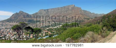 A PANORAMIC VIEW OF TABLE MOUNTAIN, CAPE TOWN SOUTH AFRICA 33rf