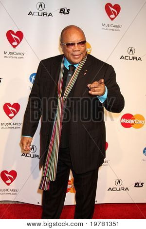 LOS ANGELES - FEB 11:  Quincy Jones arrives at the Muiscares Gala Honoring Barbra Streisand at Convention Center on February 11, 2011 in Los Angeles, CA