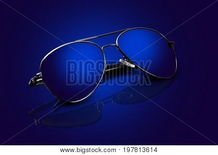 Silver frame Blue Aviator Sunglass with Reflections