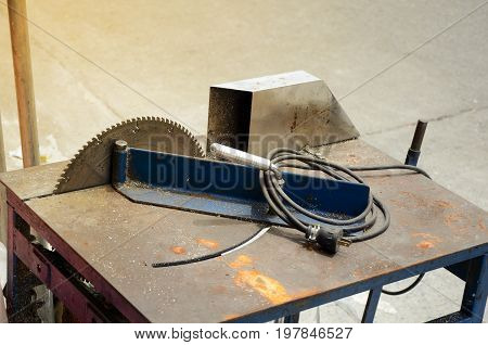 Electric Aluminium Cutting Table.