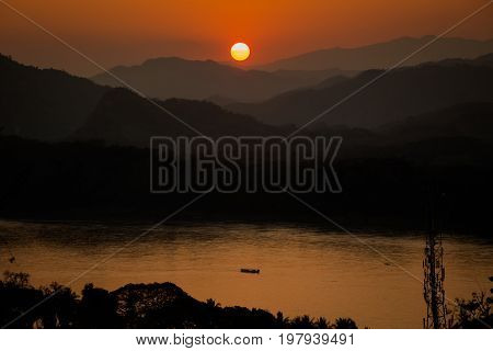 Mount Phou Si Temple Sunset