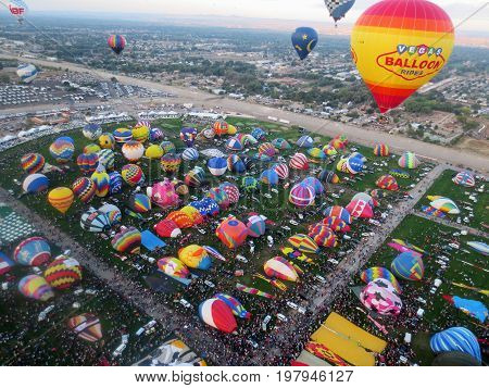 Sunrise Launch: Albuquerque, New Mexico Balloon Fiesta October 4, 2015