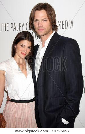 LOS ANGELES - MAR 13:  Genevieve Cortese and Jared Padalecki arrive at the