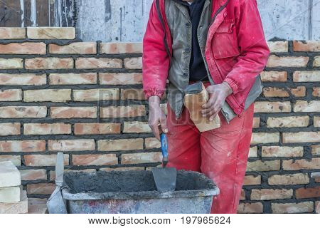 Bricklaying Mortar Spreading