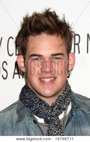 LOS ANGELES - MAR 14:  James Durbin arriving at the