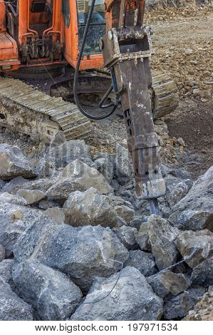 Excavator Mounted Hydraulic Jackhammer Used To Break Up Concrete 2