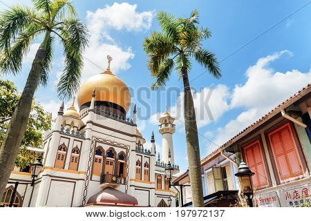 Beautiful View Of Masjid Sultan (sultan Mosque) At Singapore