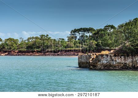 Darwin Australia - February 22, 2019: East Point Shoreline Shows Brown, Yellow And Darker Rocky Clif