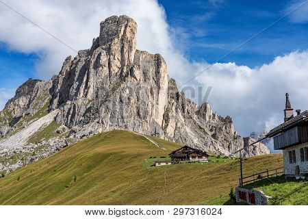 Italy Dolomites Moutnain At Summer - Passo Di Giau. Dolomites Are On Unesco World Heritage List.