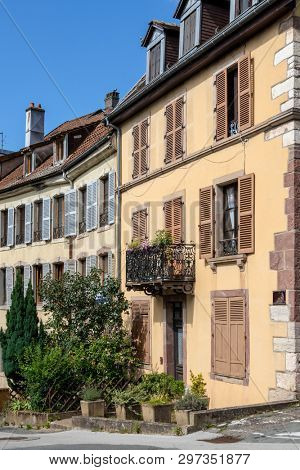 An image of a house front in Belfort, France