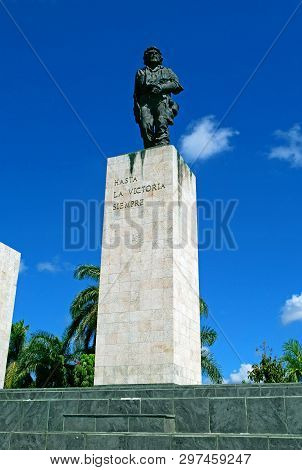 Santa Clara,cuba - February 27, 2019: Memorial From Ernesto Che Guevara With Statue And Mausoleum At