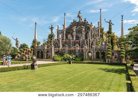Stresa, Verbania, Italy - July 28, 2016: People Visiting Park Garden Of Island Bella Or Isola Bella,