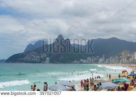 Rio De Janeiro, Brazil - November 22, 2015: View Of Rio De Janeiro Beaches Full Of People