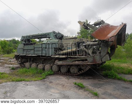The Old Abandoned Military Engineering Equipment That Worked To Eliminate The Chernobyl Disaster