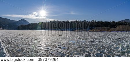 Freezing Mana River, Ice And Sludge On The Water. Beautiful Nature Of Siberia, Panorama