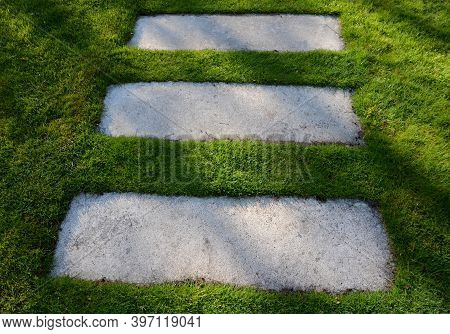 Concrete Path Lawn Pedal Rectangular Shape In Regular Grid Routed Directly Through Beautiful Lawn Su