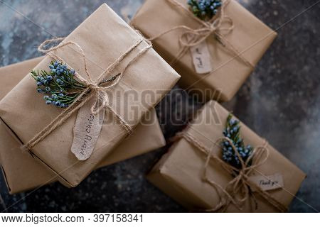 Zero Waste Gift Boxes. Eco-friendly Gift Wrapping In Kraft Paper.minimalist Style Of Gift Wrapping.