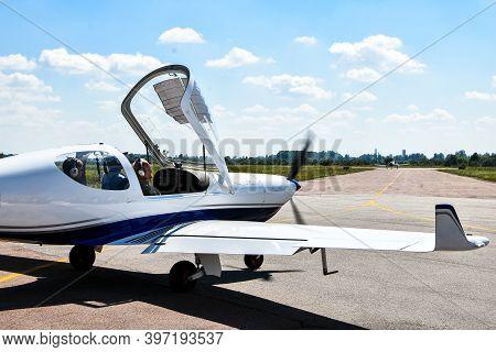 Zhytomyr, Ukraine - 22 August 2020 Ukrainian Plane For Skydiving. Korolev Avia Fest. Avia Festival