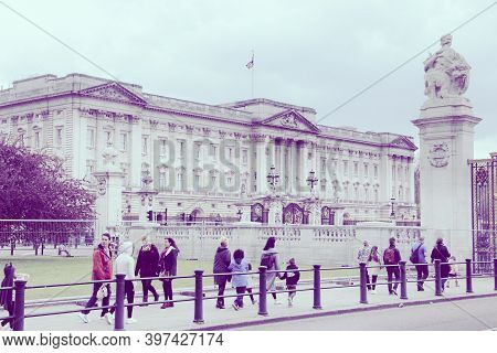 London, Uk - April 23, 2016: People Visit Buckingham Palace In London, Uk. London Is The Most Populo