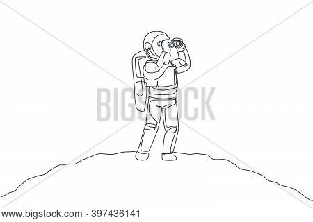 One Single Line Drawing Of Young Happy Astronaut Enjoying To See Scenery Using Binocular In Moon Sur