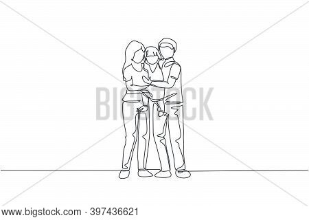 Single Continuous Line Drawing Of Young Happy Mom And Dad Carrying Their Lovely Daughter Full Of War