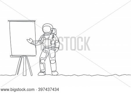 One Single Line Drawing Cosmonaut Giving Business Strategy Presentation At Meeting Graphic Vector Il
